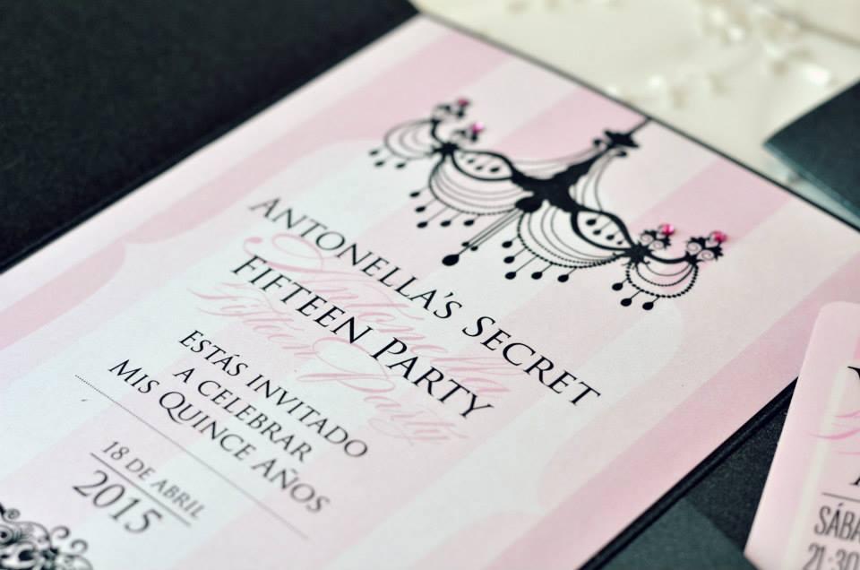 Una Invitación Para Quinceañeras Bien Fashion Tarjetas De 15
